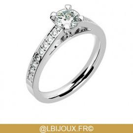 Solitaire accompagné or 750 (18 carats) blanc palladié et diamants 0.36 carat
