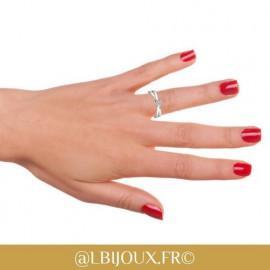 Bague solitaire or blanc 750/°° et diamant 0.30 carat